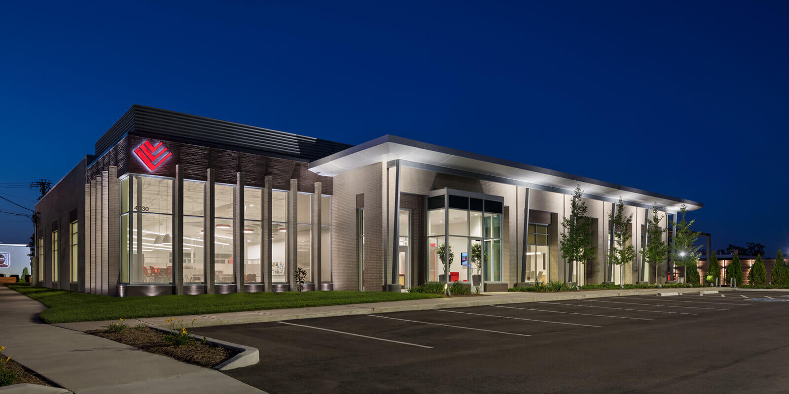 southeast-venture-office-nighttime-corner-exterior-architecture-design