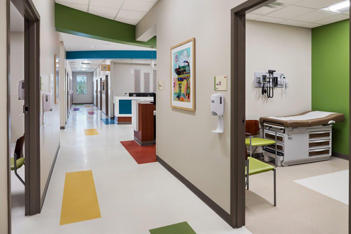 vumc-childrens-surgery-clinics-murfreesboro-interior-design-lobby.jpgexam-room