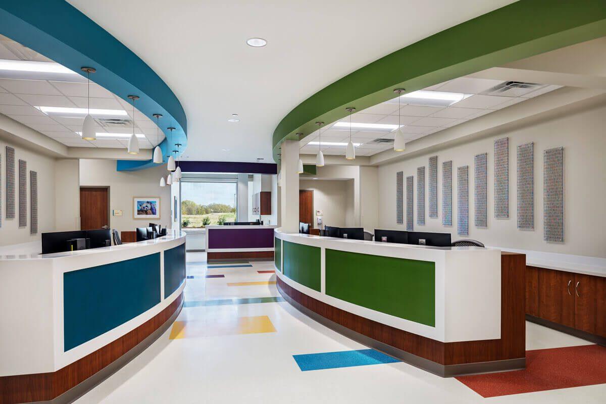 vumc-childrens-surgery-clinics-murfreesboro-interior-design-nurses-stations